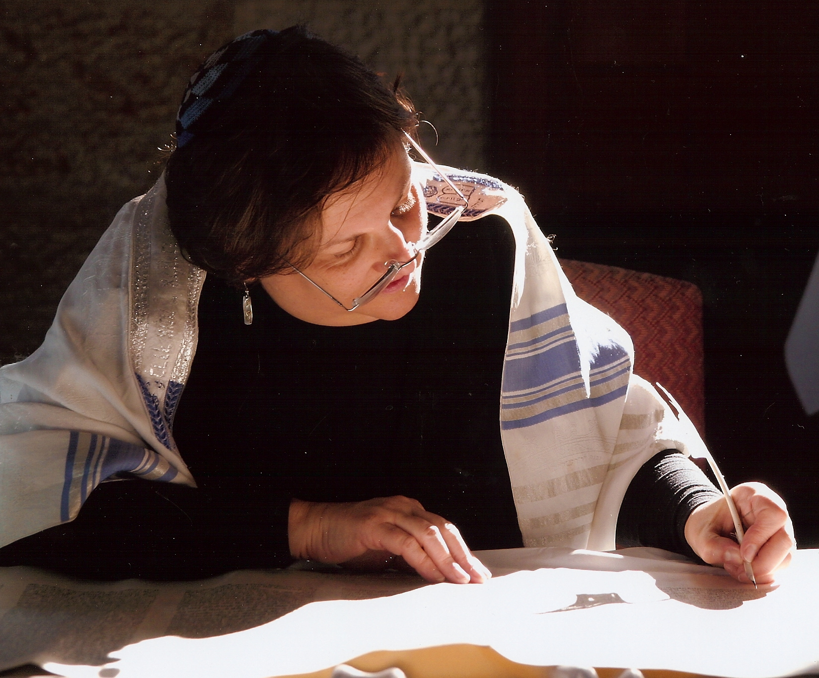 Repairing a Torah scroll